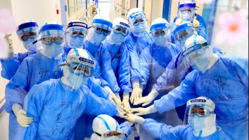 开封市人民医院第一批援鄂医疗队管辖的C7东病区正式关科