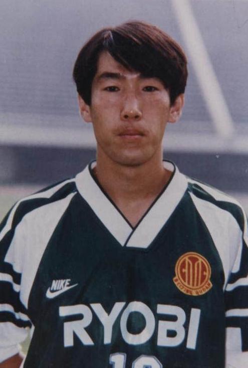 中国足球最好的前锋排名,现役一位球员上榜,第