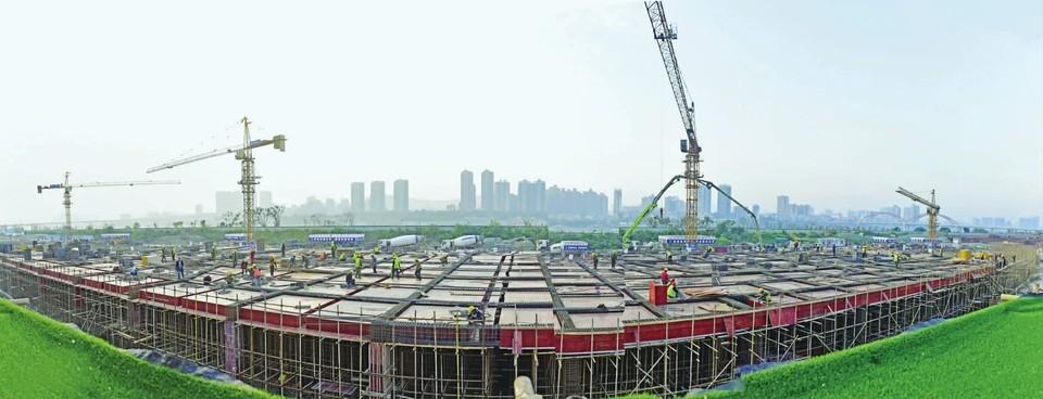 金融中心广场二期将于年底完工