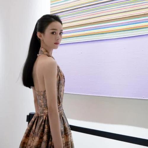 著名作家发微博声称:赵丽颖,你应该给高以翔讨回公道