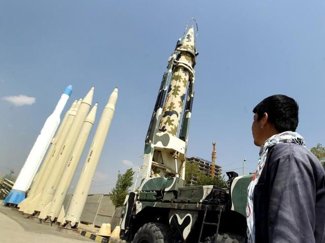 """中东又冒出个新""""巴铁"""":看上中国一先进战机或买上百架"""