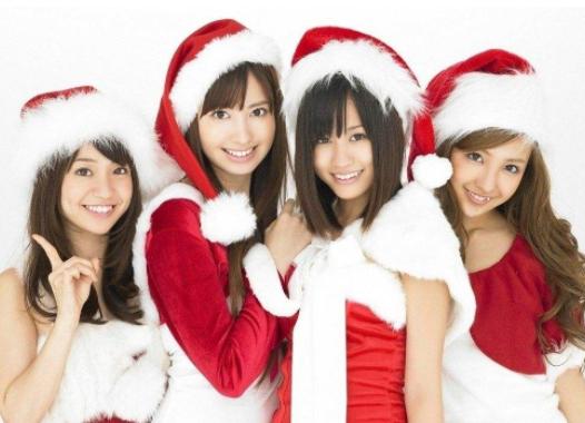 圣诞节,女孩如何搭配才能既时尚又保暖?