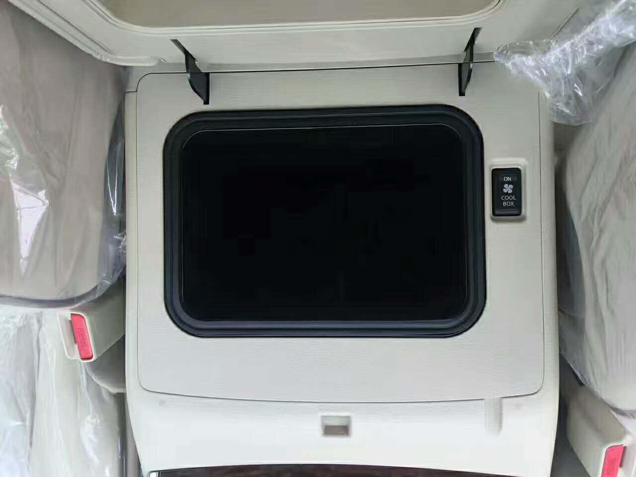 17款尼桑途乐4.0L标配顶配两款车型天津港现车最新售价