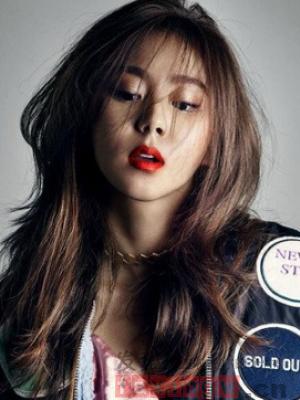 韩式女生披肩烫发 时尚浪漫迷人