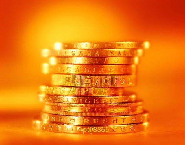 8.1美元悲观下挫黄金延续看涨,原油一路阳线上攻回踩多