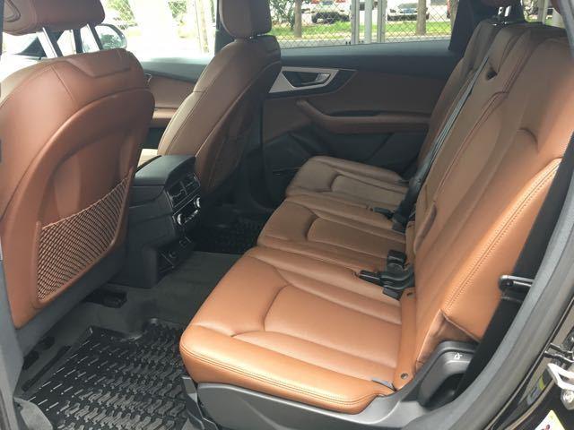 17款奥迪Q7加版 七座舒适版高端商务SUV