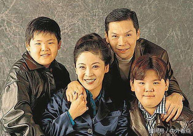 向华强两个儿子向佐向佑,不同的人生只因健身
