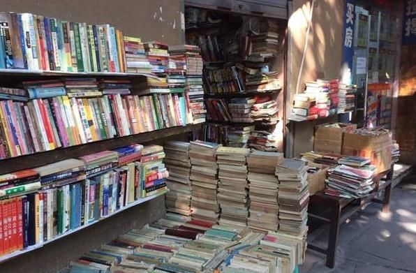 大学生创业做二手书交易,藏书超10万册,单日营