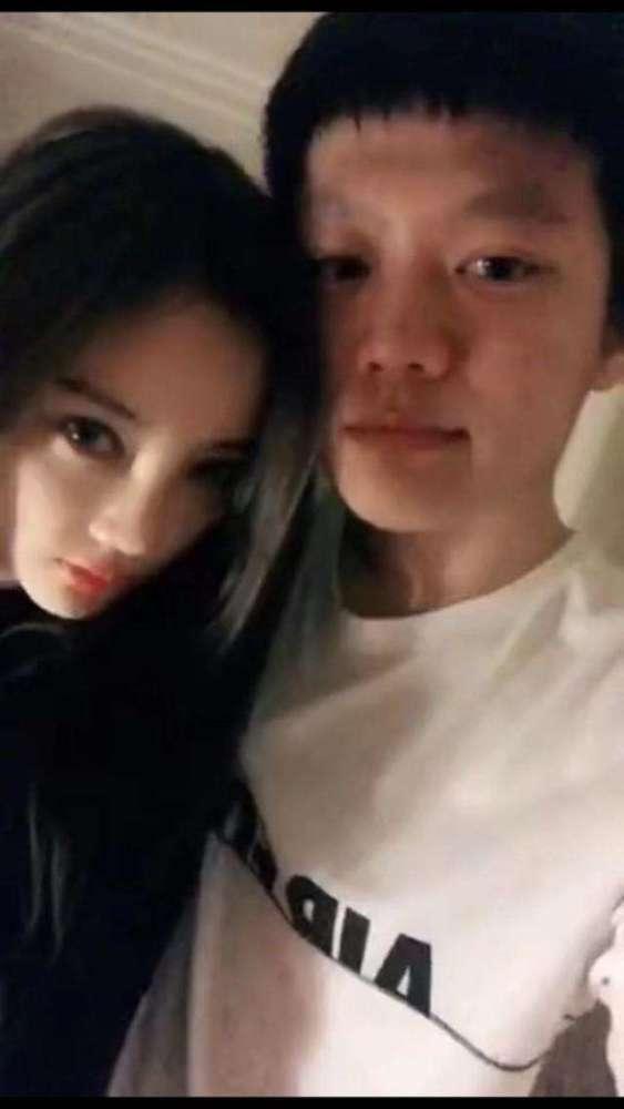 公开恋情?李小璐 PGone秀恩爱接吻视频被曝光