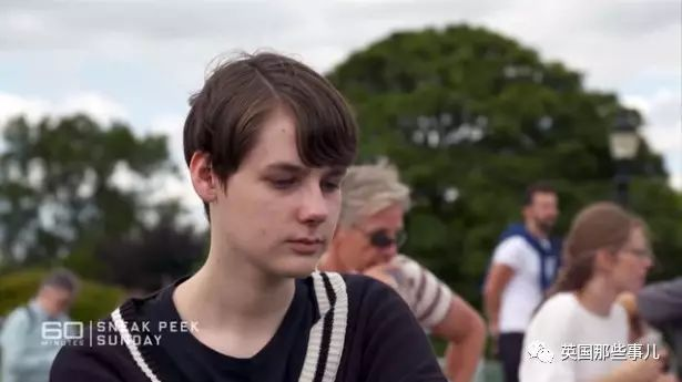 亚虎娱乐官网-他12岁决定变性14岁又反悔_?可惜有点晚了